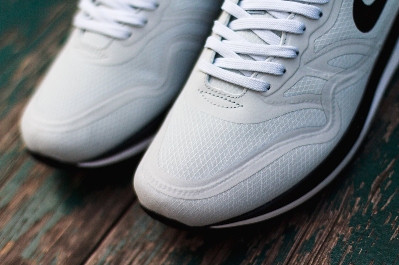 newest collection 4561e 69f0c ... max lunar 1 breeze pure platinum light retro b247b 58ebc  cheapest on  nike retailers around you for this baby or head on over here nike air