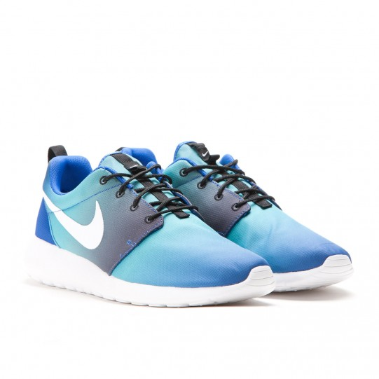 db1a0278d8d9 Look through the images here  The Nike Roshe Run Print ...