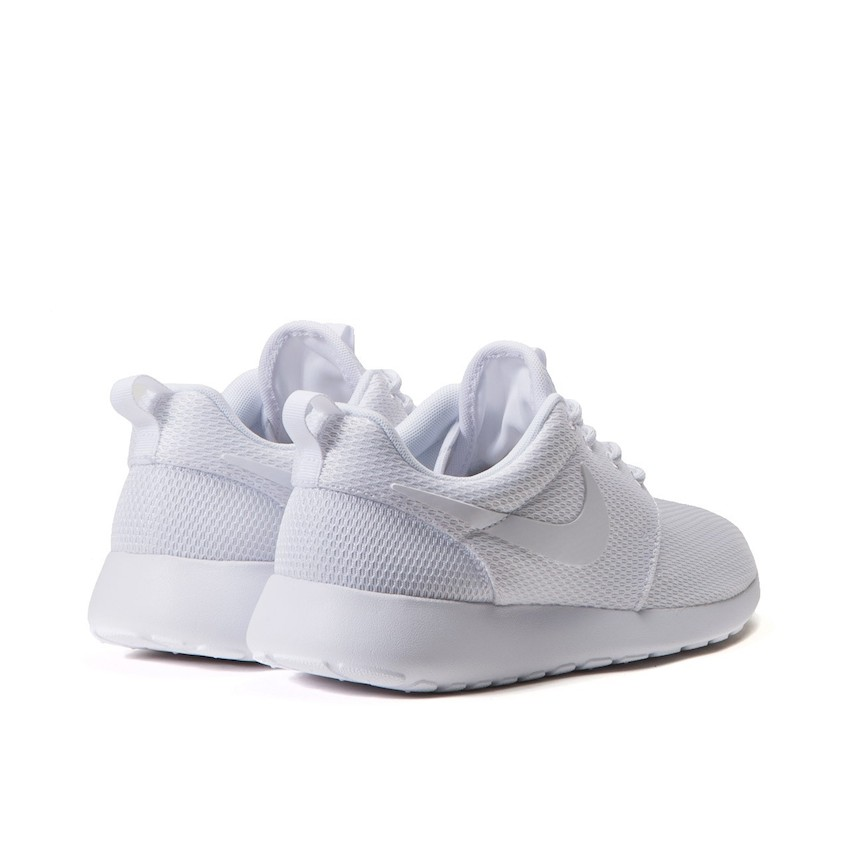 5a0a36048066 The Nike Roshe One Triple White retails at €64.64 (approximately RM382) and  available via Allike.