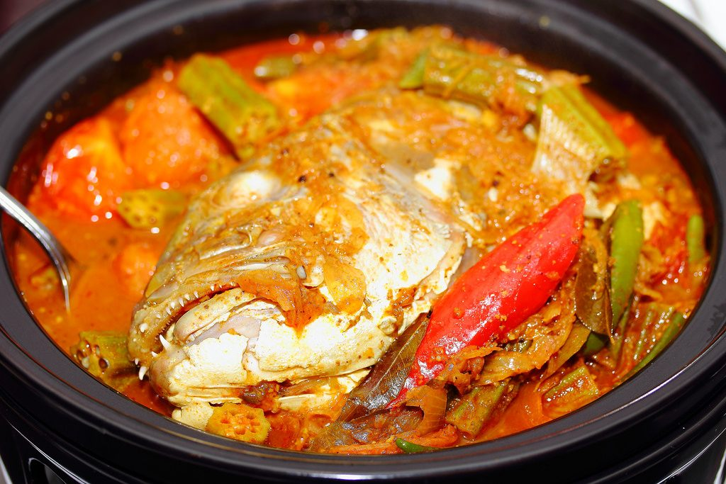 Man Charged RM1000 For Fish Head Curry Meal In Jalan Ampang, Here's What Happened