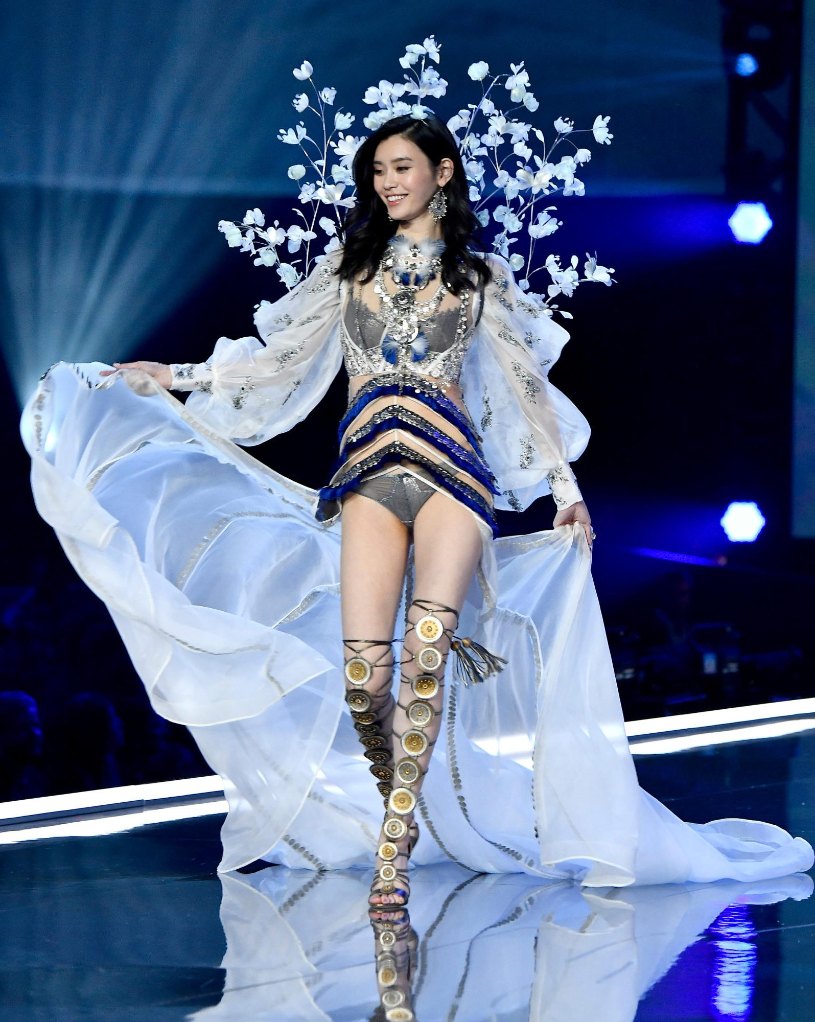 Victoria 39 S Secret Fashion Show 2017 Is A Showcase Of Asian
